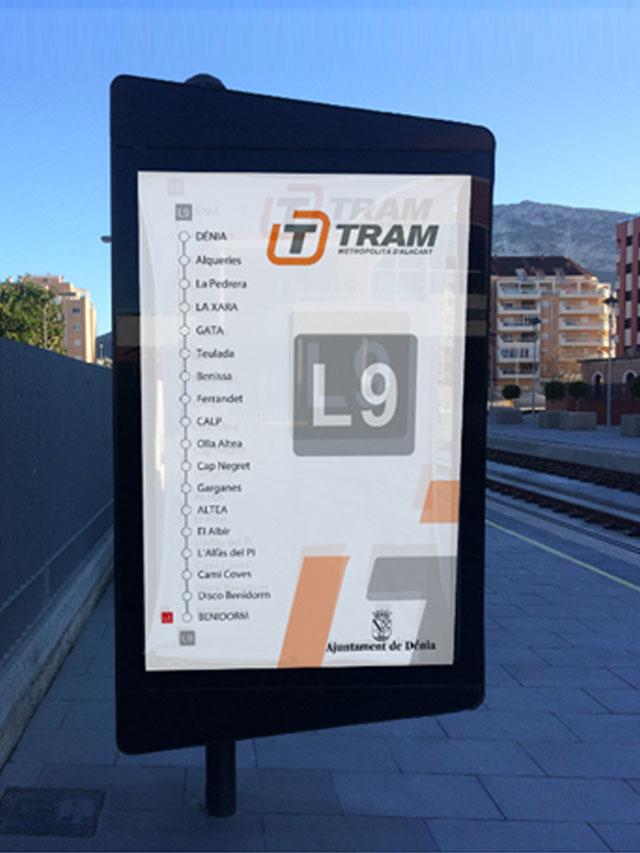 Mupi Trapezoidal TRAM mobiliario urbano para ciudad y ayuntamiento smart city