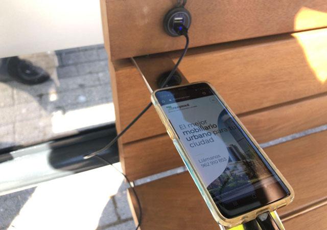 Parada de autobus smart city Marquesina solar con cargador USB para moviles