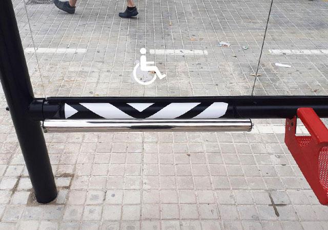 marquesina wait parada de autobús especial para minusválidos